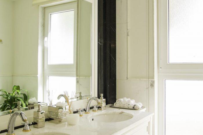 Italco classic vanity